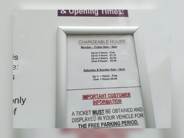 Foster Hill Road Car Park ticket signs