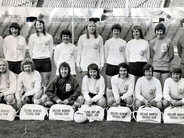 1971 women's football team
