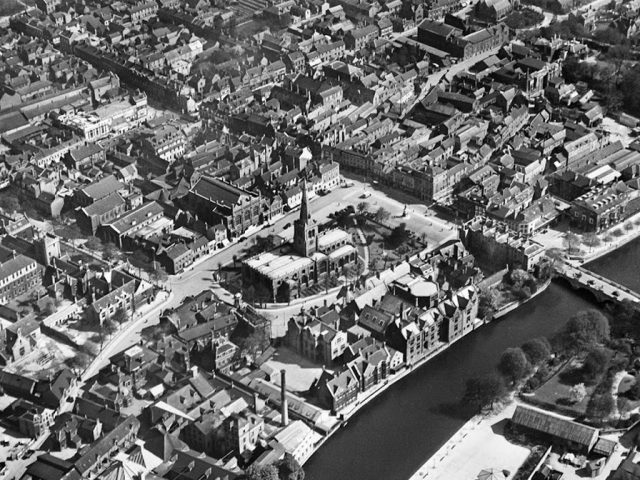 St Paul's Church and Bedford Town Bridge 1929. Author Aerofilms Ltd.. Source: Historic England Archive
