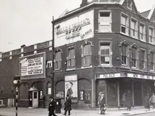 The Palace Cinema c.1935 (Bedfordshire County Council Photographic Unit. Bedford Library Collection.)