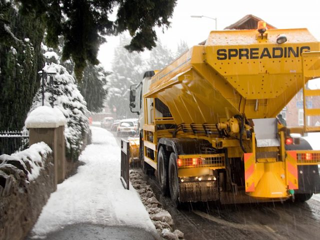 Gritter lorry snow
