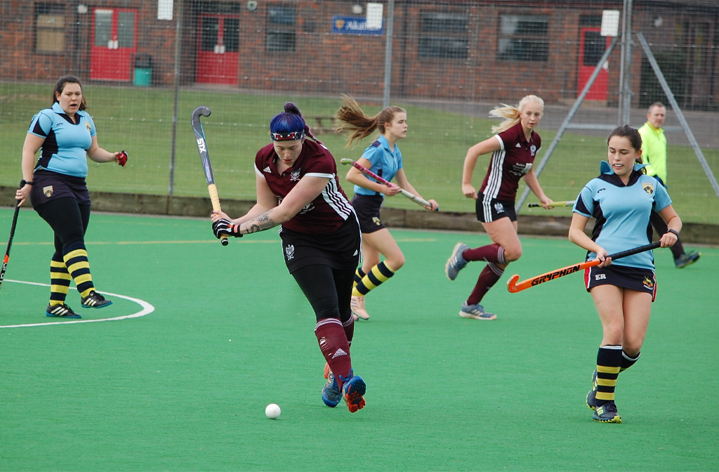 The Ladies' 5s make another offensive
