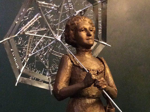 Amy Walmsley statue