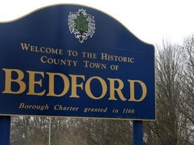 Bedford town sign